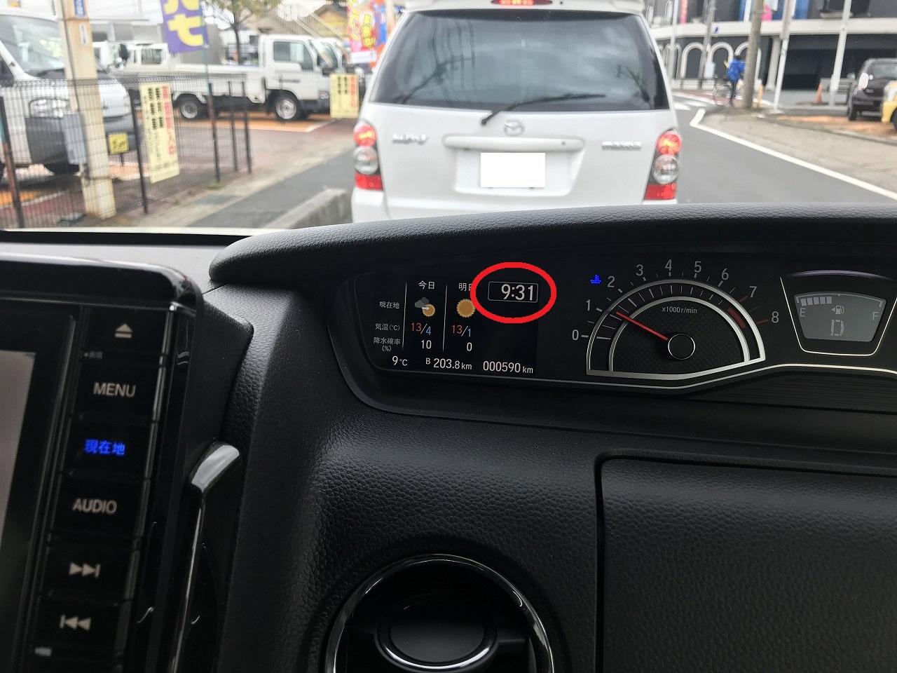 新型N-BOXの時計表示がとっても便利です♪N-ONEのときは社外品を取り付けてました^^;