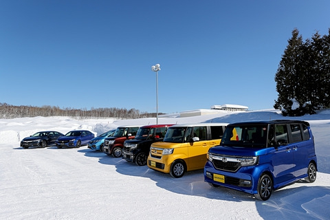 新型N-BOXの4WD車はロールが大きい?