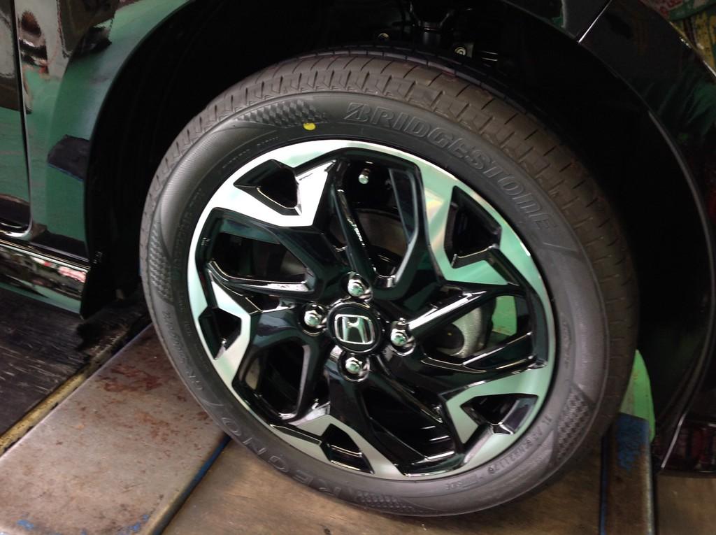新型N-BOXの新車装着タイヤは「ブリヂストンエコピアEP150」も多いみたいです^^;
