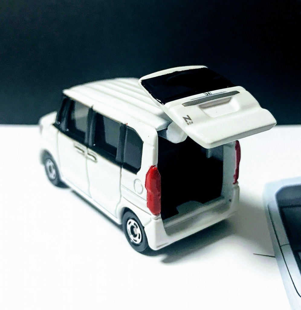 ホンダ新型N-BOXのトミカが届きました♪なかなかのクオリティです^^