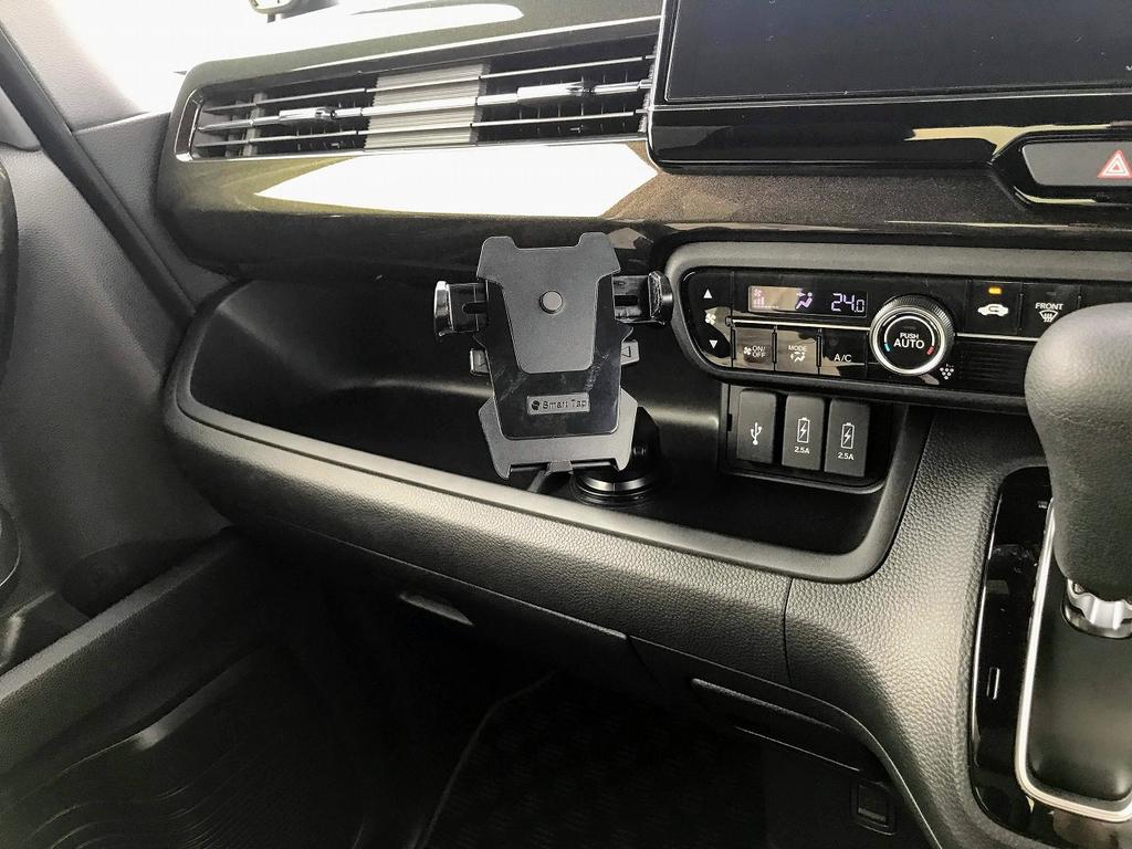 新型N-BOXカスタムに売れ筋スマホ車載ホルダー「SmartTap EasyOneTouch2 」を買って取り付けてみました♪