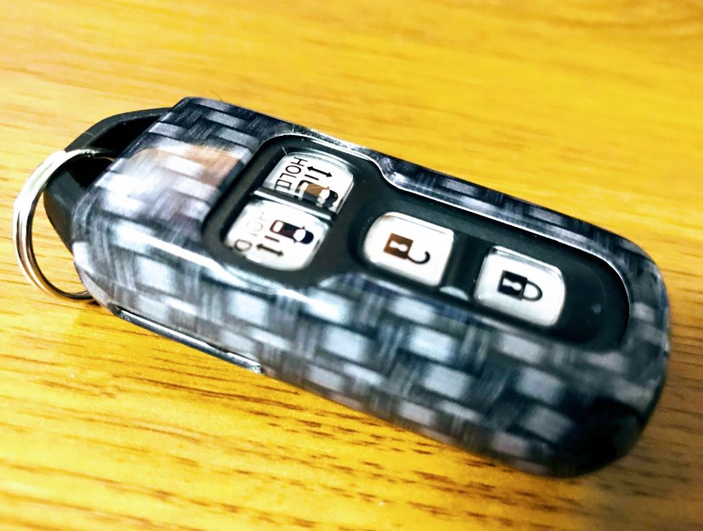 2代目新型N-BOXカスタムのスマートキーにカーボン柄キーケースを移植しました^^
