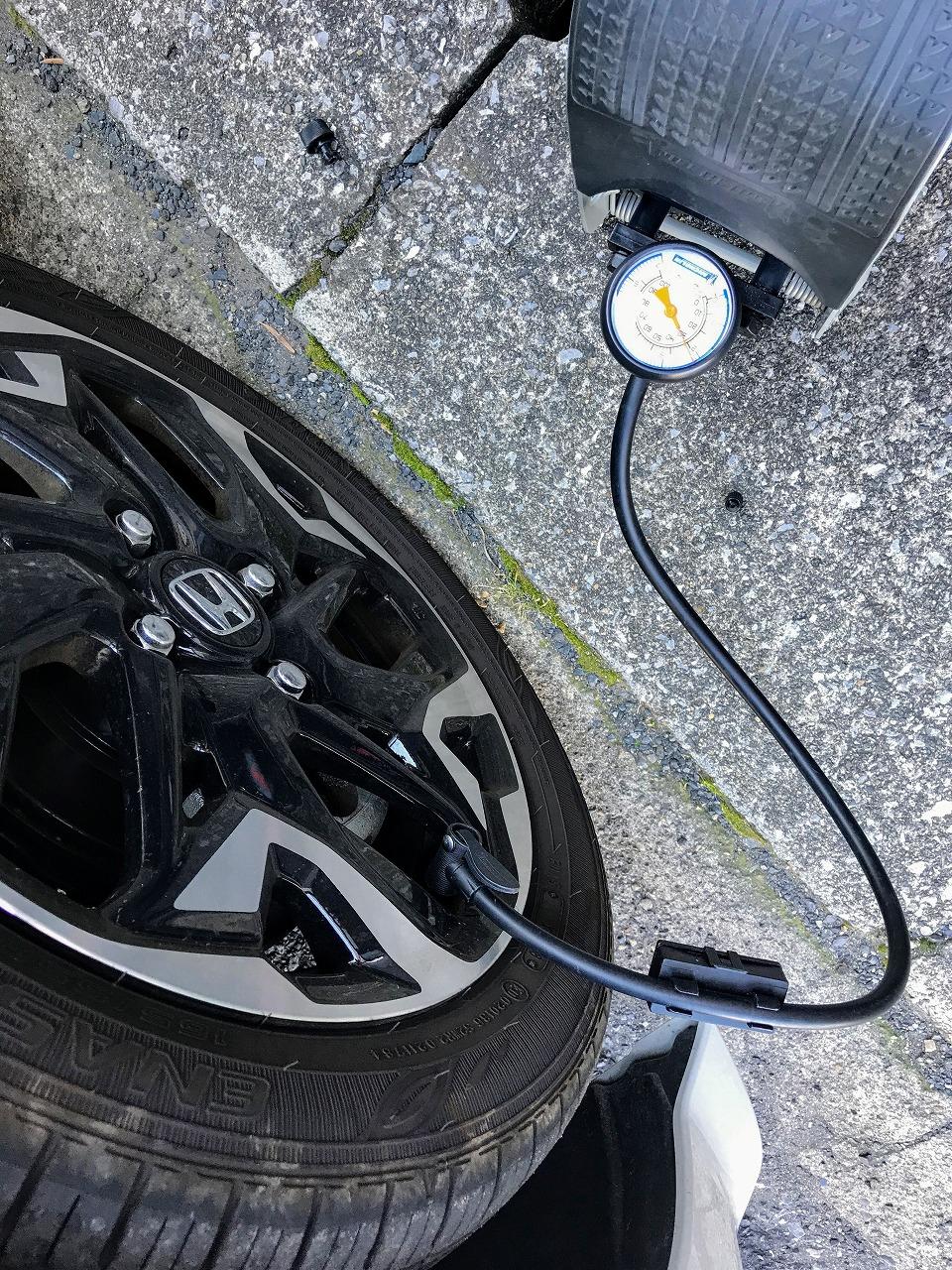 久しぶりにN-BOXカスタムのタイヤ空気圧チェックしたらかなり減ってました。。。推奨空気圧は?