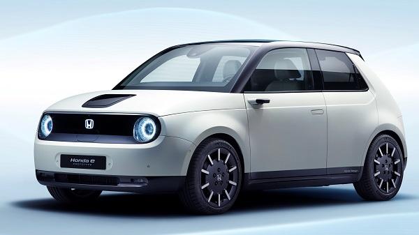 ホンダ電動化の未来!後輪駆動モデル小型EV「ホンダ e」や次期シビック・タイプRはハイブリット化へ!