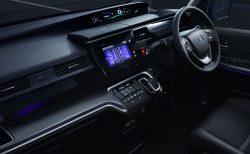 新型N-BOXのように上部にメーターがあるホンダの車種は?3モデルありました^^
