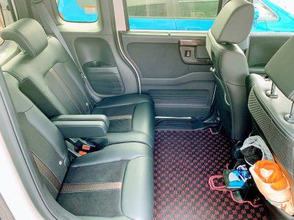N-BOXの後部座席の広さと快適性は初めて乗ると驚きますよね^^