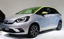 新型「FIT」受注状況公開!ライバルヤリスと比較や売れ筋モデルやボディカラーなど^^