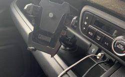 N-BOXカスタムに取り付けているスマホ車載ホルダー「SmartTap EasyOneTouch2 」と「EasyOneTouch3 」がAmazonプライム限定セール中で1500円で販売中!